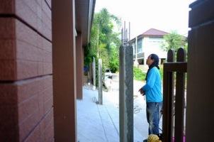 งานเทพื้น ซ่อมรั้วทรุดเอียง (6)_resize