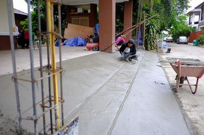 เทพื้นงานซ่อมรั้วทรุดกำแพงเอียง (5)