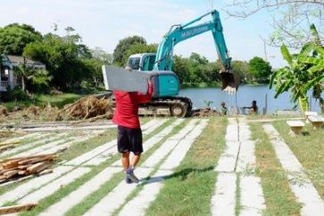 ก่อสร้างเขื่อนกำแพงกันดิน (15)