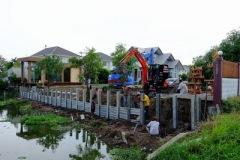 ก่อสร้างเขื่อนกำแพงกันดินริมคลอง (3)