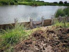 เสียบแผ่นเพื่อก่อสร้างกำแพงกันดิน (2)