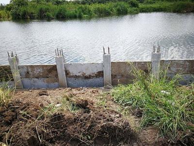 เสียบแผ่นเพื่อก่อสร้างกำแพงกันดิน (5)